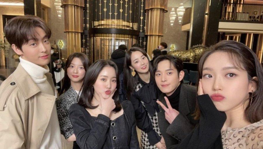 معرفی سریال کرهای پنتهاوس: جنگ در زندگی
